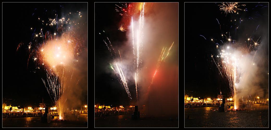 Mit 8 Meter Abstand fotografiert - Feuerwerk Xantener Mittsommernacht 2008