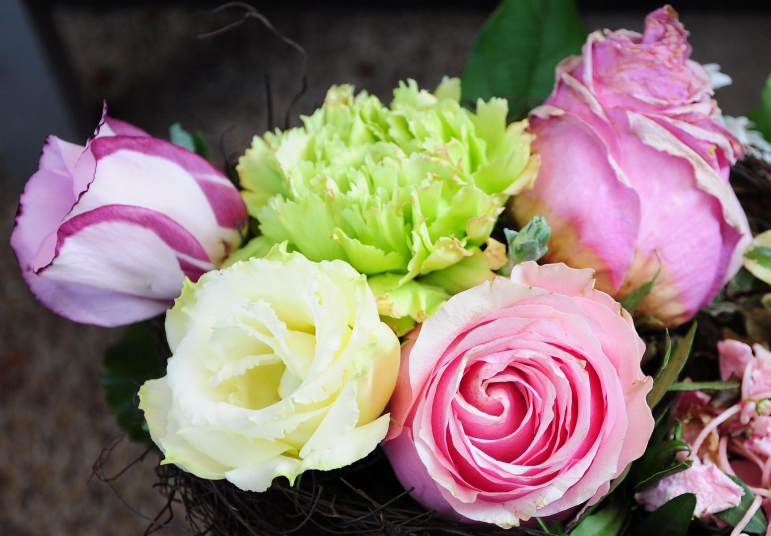 mit Blumen geht alles schon wieder viel besser ....