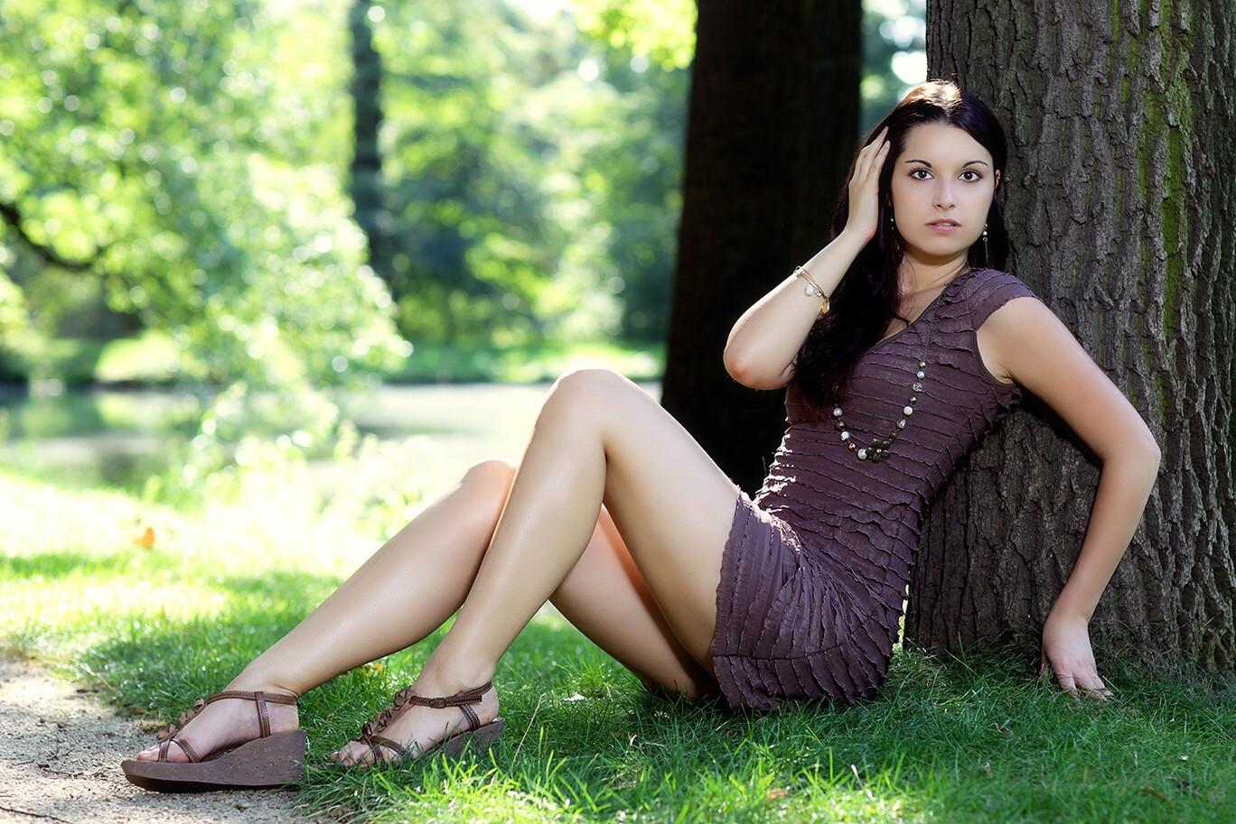 mit Cindy im Park Foto & Bild | fashion, outdoor, frauen