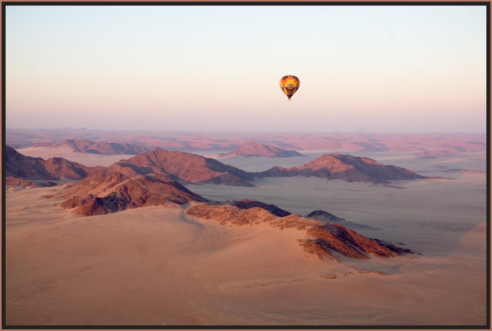 Mit dem Ballon über die Namib am Tsauchab entlang