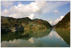 Mit dem Boot über den Shennong