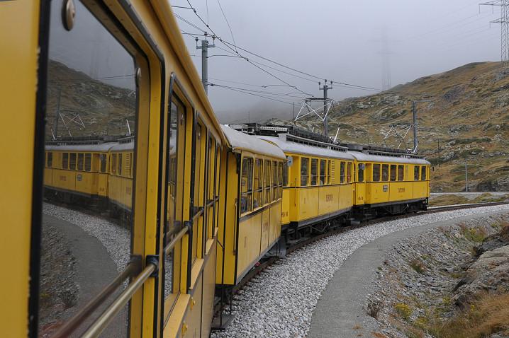 Mit dem gelben Züglein unterwegs - die Höhe geschafft