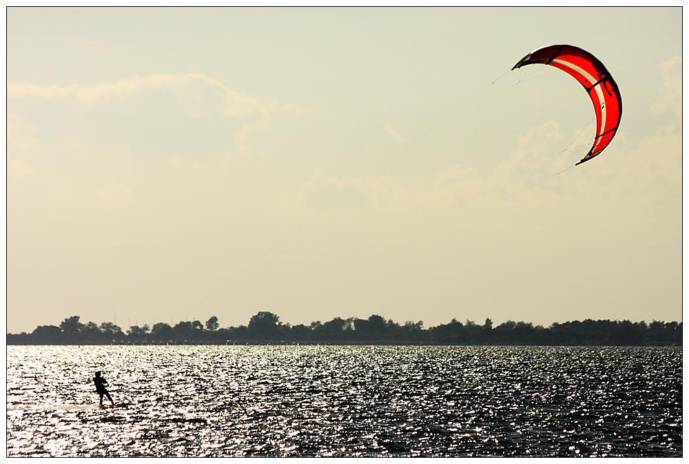 Mit dem Roten Schirm über die Ostsee...