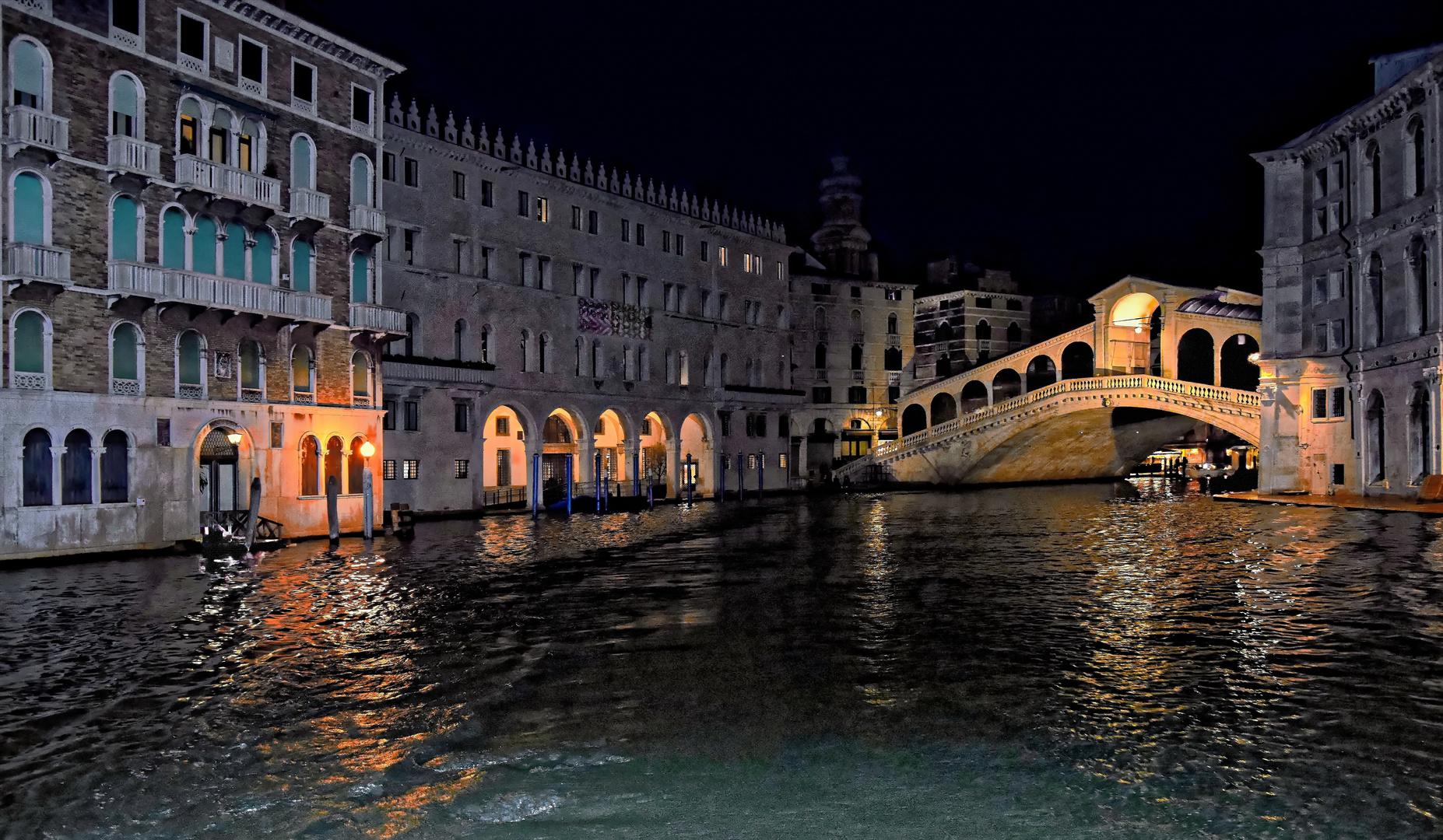 Mit dem Vaporetto durch Venedig