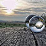 ...mit der Glaskugel, zum Sonnenuntergang...