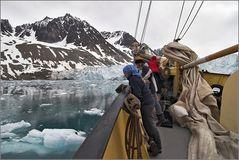 Mit der NOORDERLICHT am Gletscher...