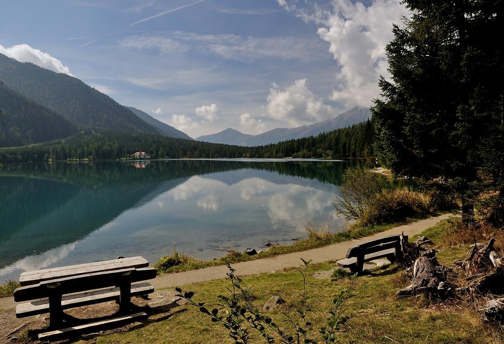 Mit diesem Foto vom Antholzer See, wünsche ich allen meinen fc freunden ein...