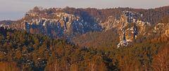 Mit einer weiteren Felsengruppe im Basteigebiet an diesem vortrefflichen Morgen...