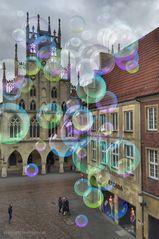 Mit Farben malen. Rund um das Rathaus von Münster........#22.2802#02/50