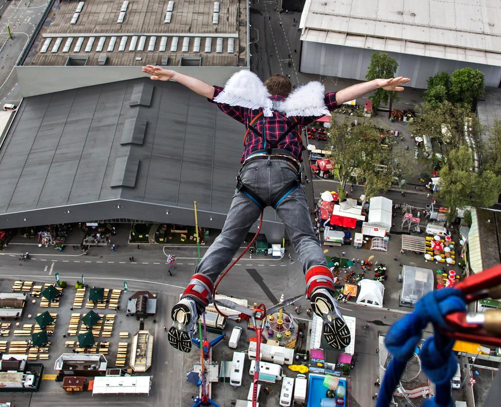 Mit Flügeln ist das Bungy Jumping ein besonderer Hit!