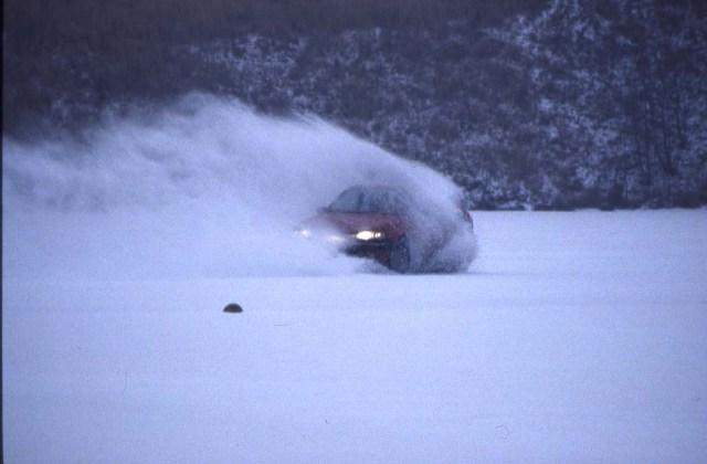 Mit meinem Mazda auf einem zugefrorenen Backersee