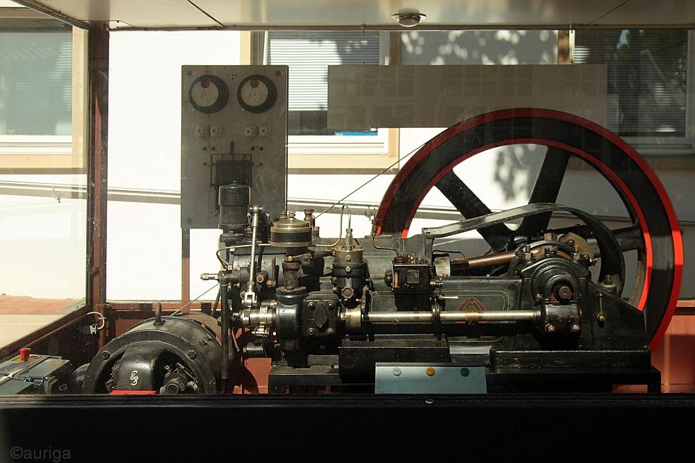 Mit solchen Maschinen wurde vor über 100 Jahren Strom gemacht!