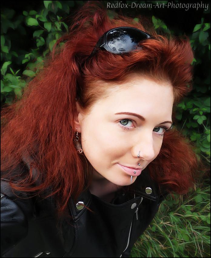 Mit zerzaustem Haar; spontanes selfpic