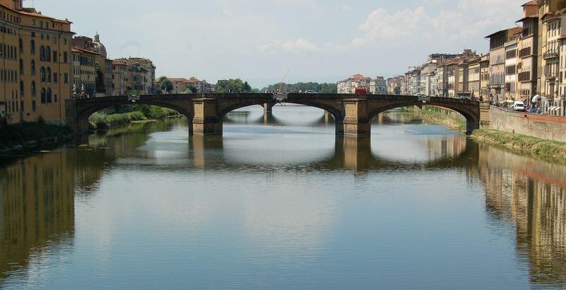 Mittag über dem Arno