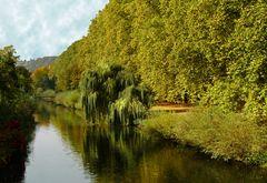 Mittags am Fluss