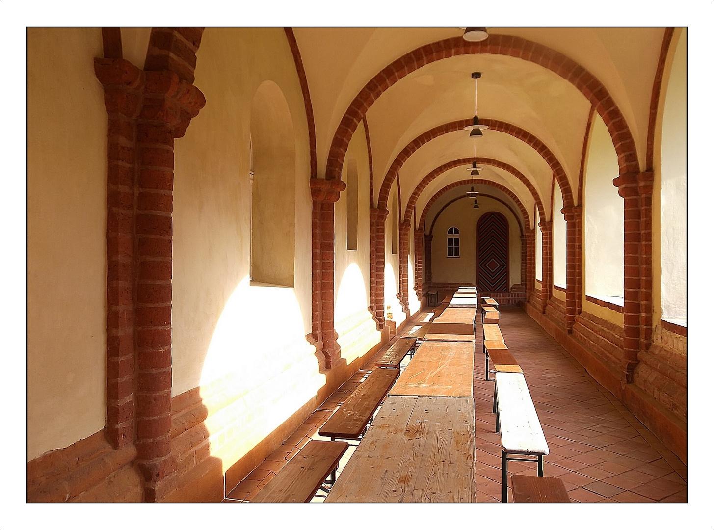 Mittagslicht im Kloster Lehnin