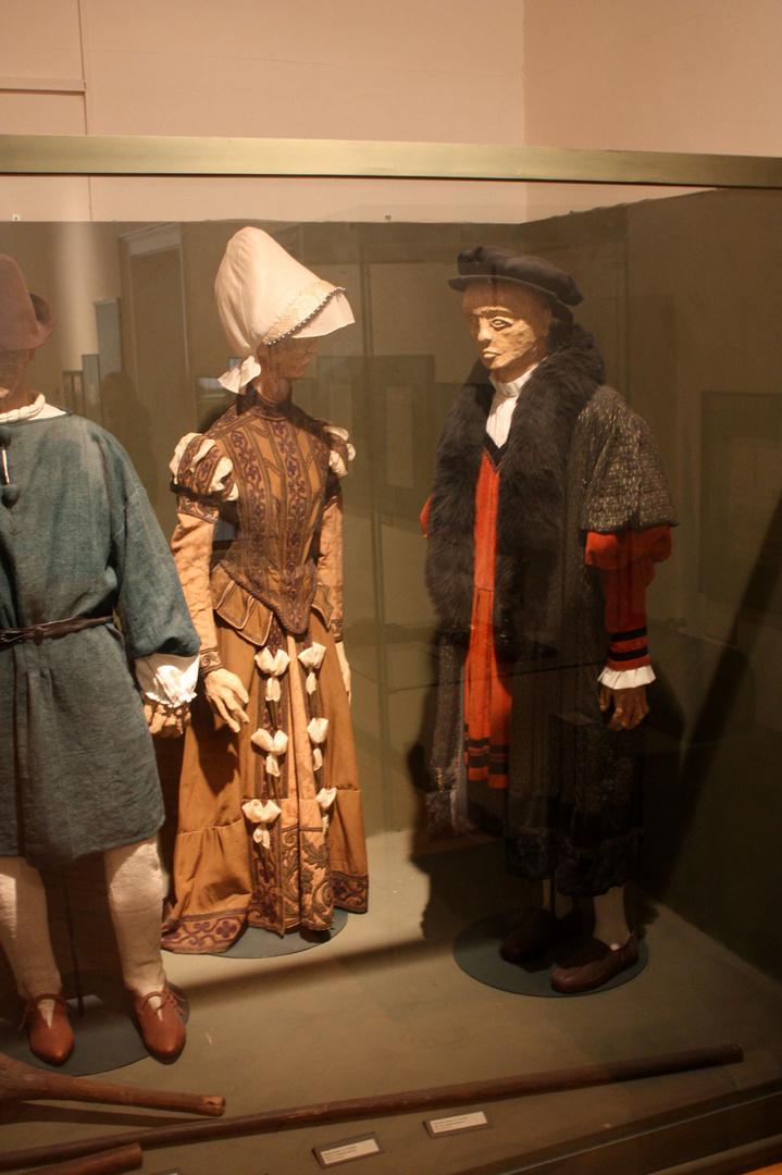 mittelalterliche Tracht zu Zeiten Luthers unter der Bürgerschaft