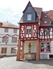 Mittelalterliches Fachwerkhaus in Alzey/Rheinhessen....