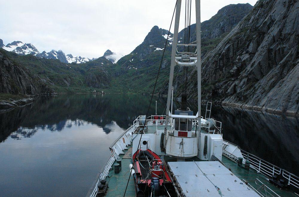 Mitternacht im Trollfjord