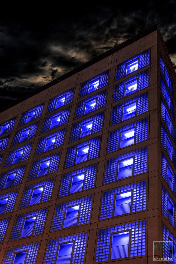 Mitternachtsblau (Midnight Blue)