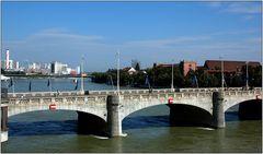 ... Mittlere Brücke ...