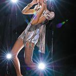 Moda editoriale di moda febbraio 2010 Revista vida e arte