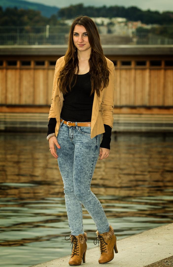 Model: Adriana 3