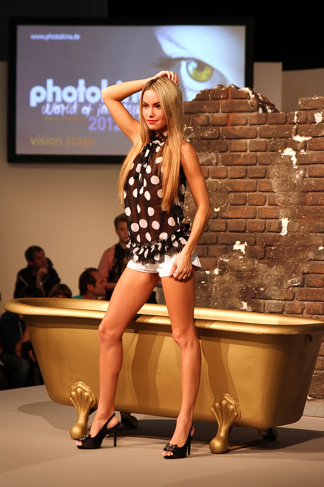Model auf der Photokina