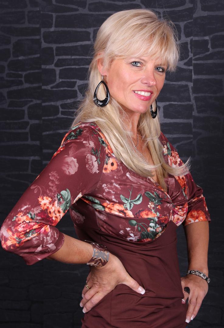 Model Bella Estella