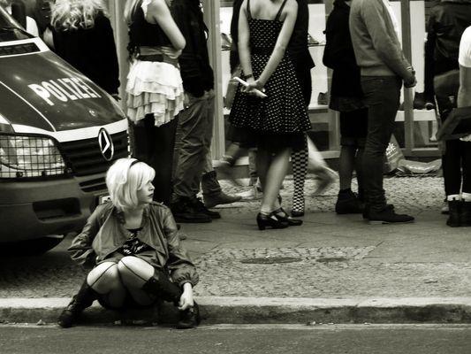 Berliner Straßen casting mit junger latina