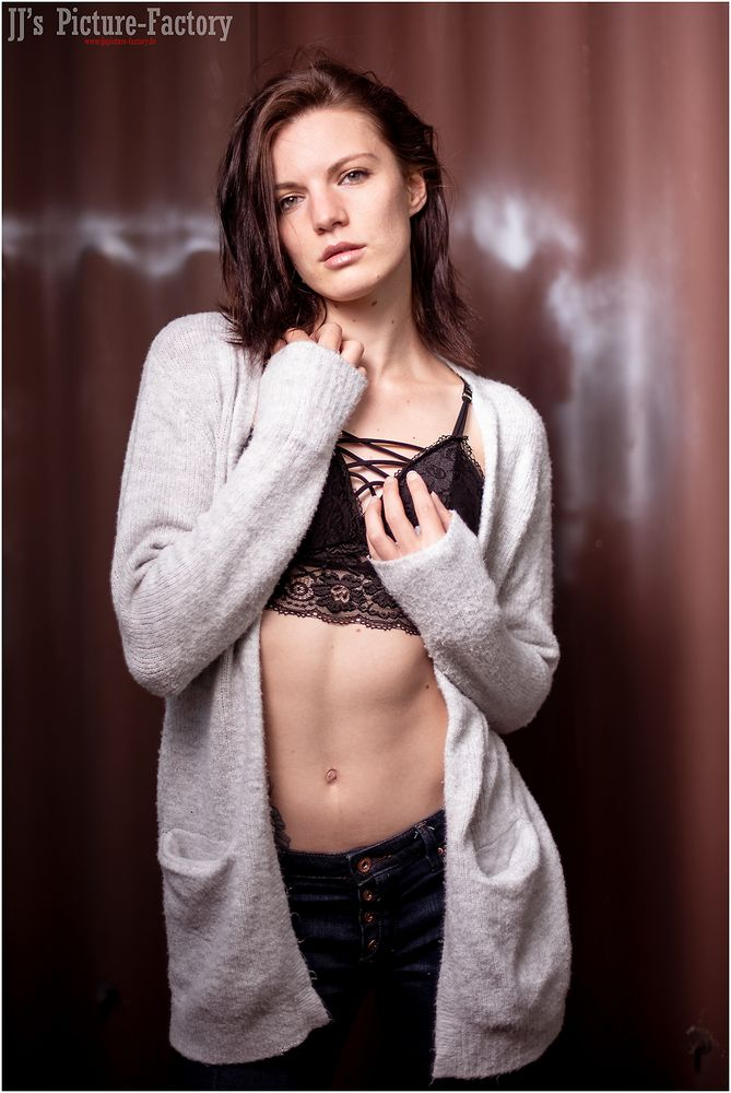 Model Cleo