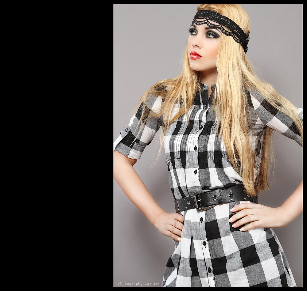 Model Jacqueline ..