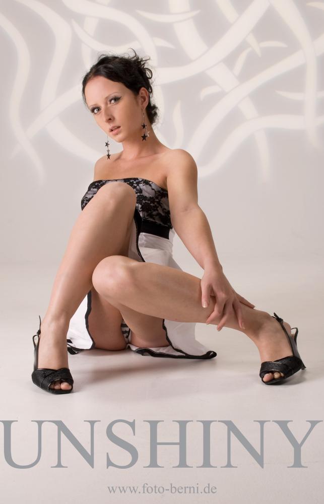 Model Unshiny - Kleid