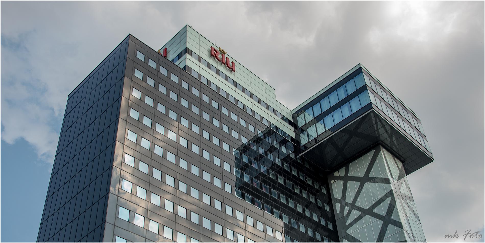 Moderne Architektur Foto & Bild | world, berlin, hochhaus Bilder auf ...