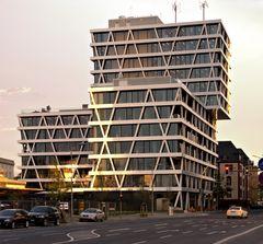 Moderne Architektur im Abendlicht