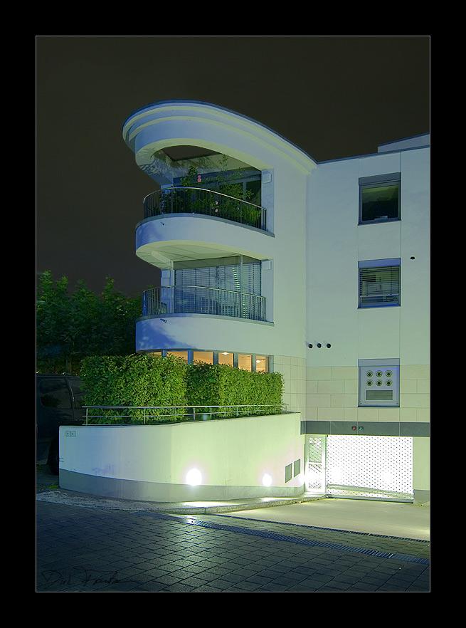 Moderne Architektur im Dorf