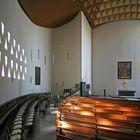 Moderne Kirche mit Tageslicht