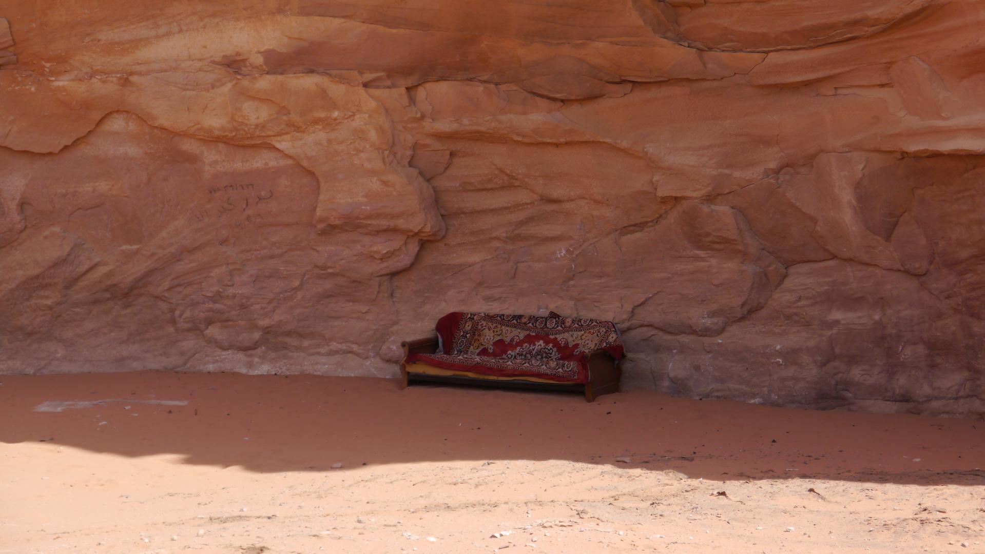 Möbel im Wadi Rum
