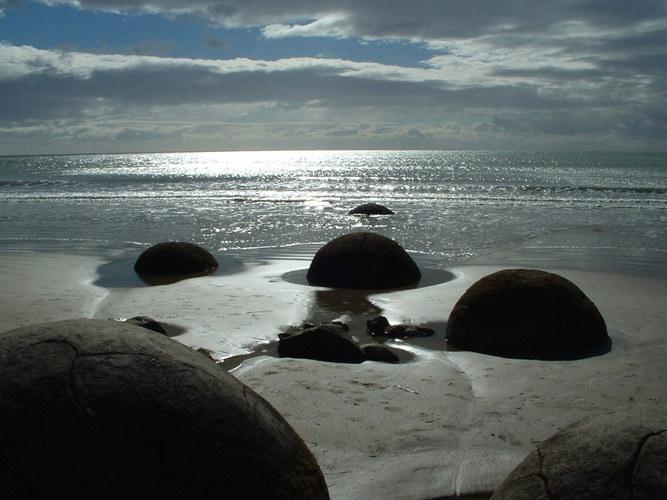 Moeraki Boulders in der Abendsonne