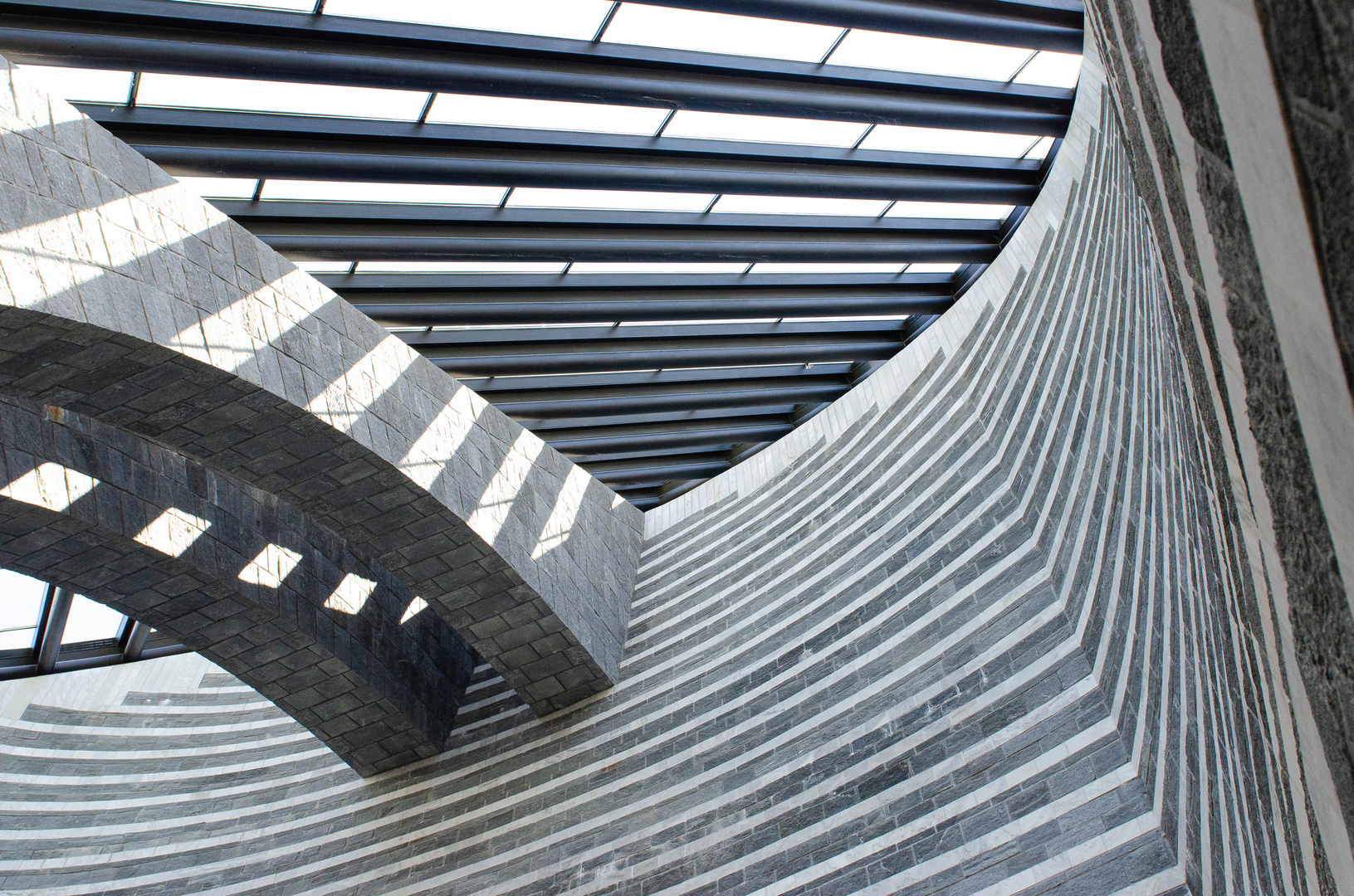 Mogno TI: Bergkirche von Mario Botta 1