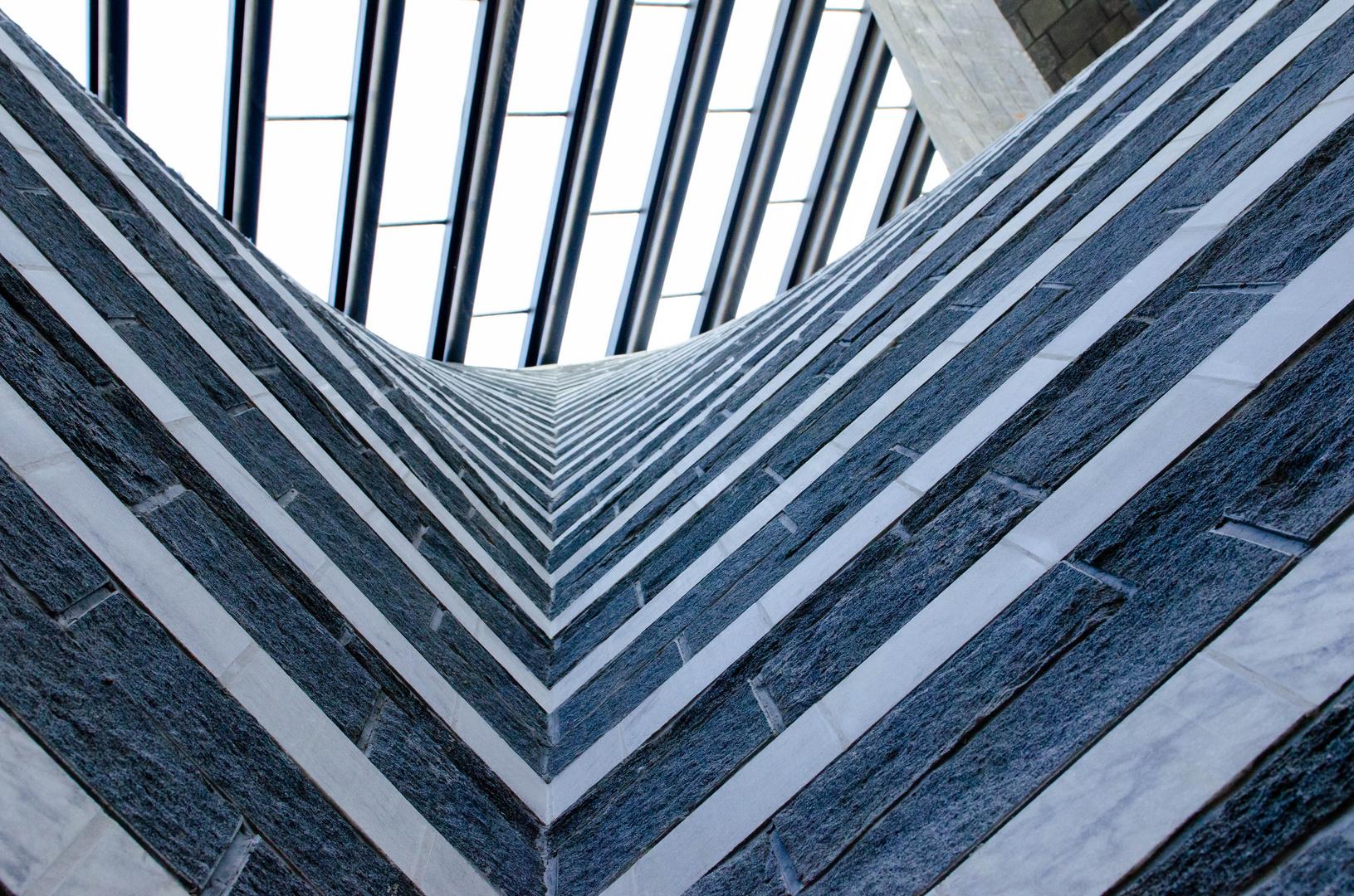Mogno TI: Bergkirche von Mario Botta 3