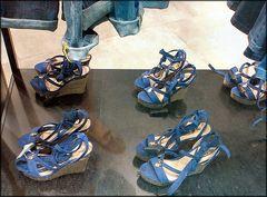 Mon pied en vitrine mais avec un bon soulier:-)))
