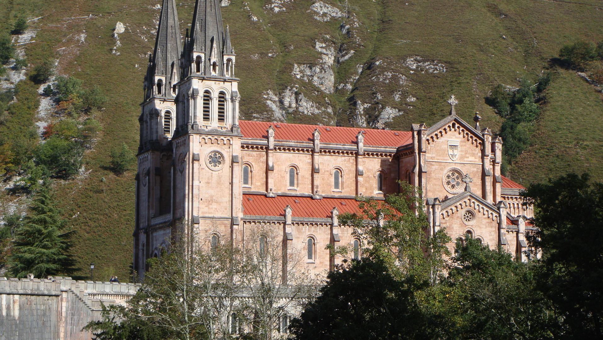 Monasterio de Covadonga.(Asturias)