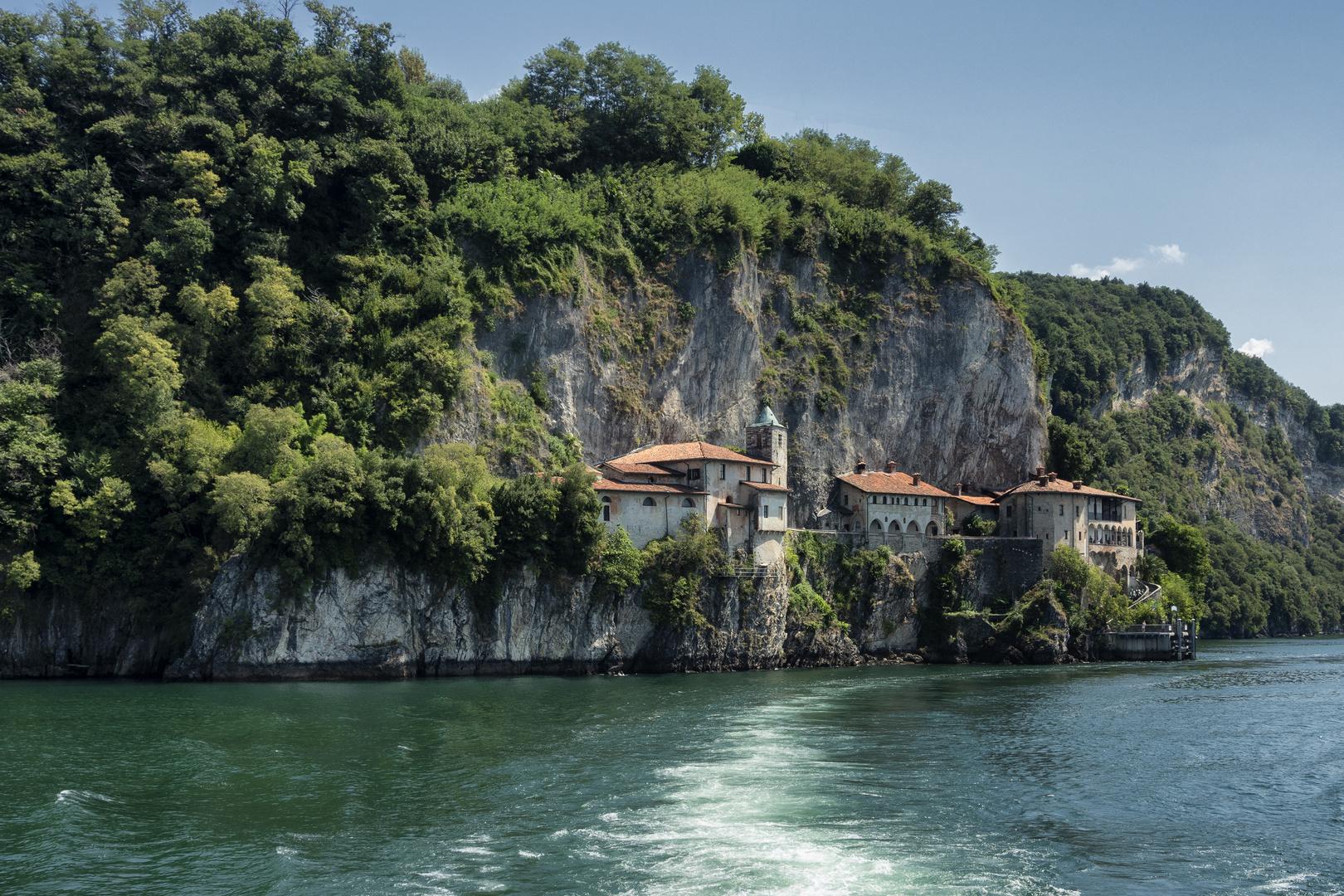 Monastero di Santa Caterina del Sasso, lago Maggiore