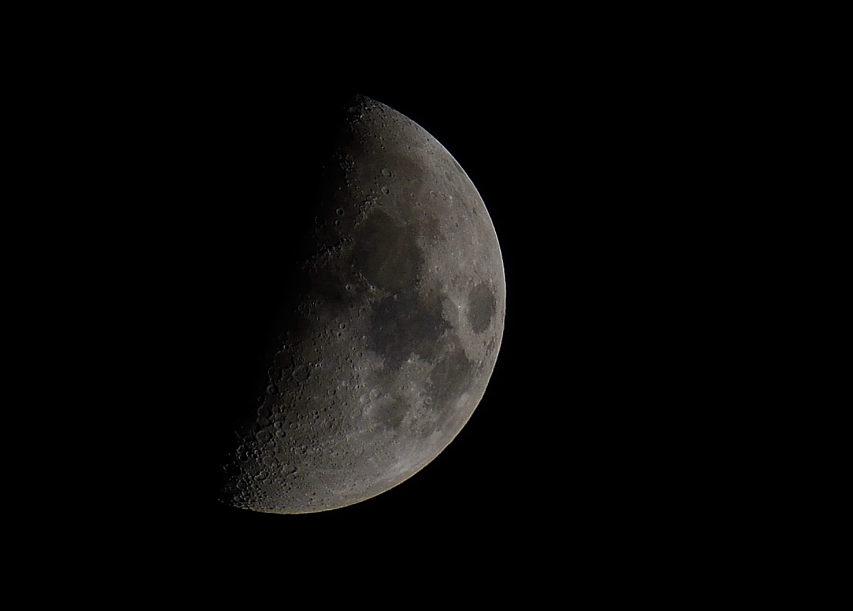 Mond am 18.04.2013