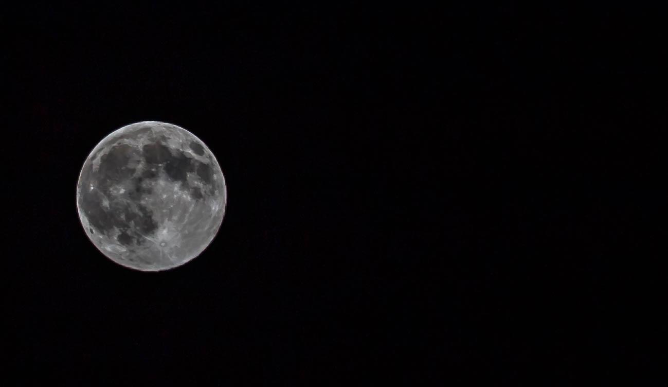 Mond am 27.04.21
