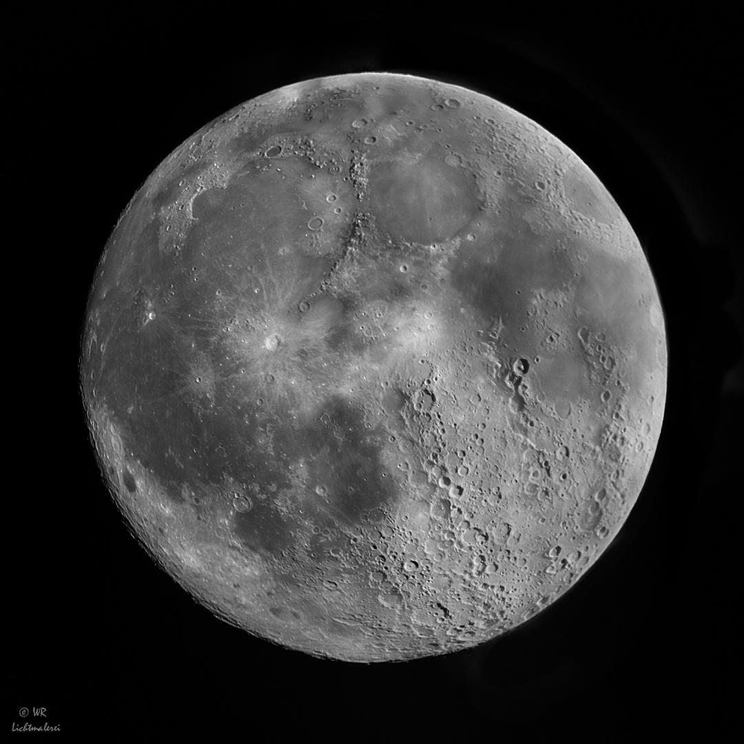 Mond Composit