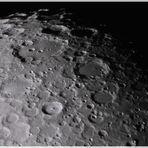Mond mit Krater Clavius und anderen