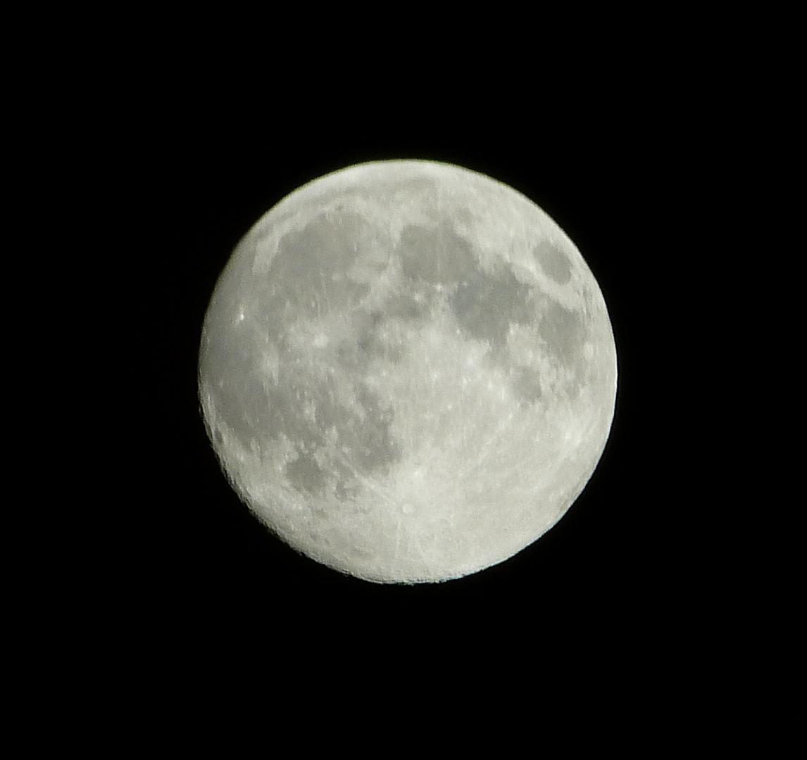 Mond über Mülheim