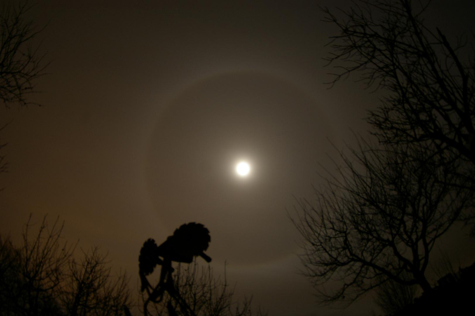 Mond - und ein wahnsinns Hof